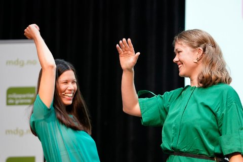 Nasjonal talsperson i MDG, Une Aina Bastholm, jubler over å ha doblet partiets oppslutning på Nettavisen og Amedias siste kommunemåling. Her er hun sammen med Oslos miljøbyråd Lan Marie Berg da de åpnet valgkampen i forrige uke.