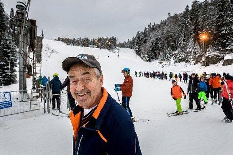 Leif Skaar i Kjerringåsen Alpinsenter har all grunn til å smile. Fjoråret ble en godt økonomisk år.