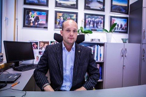 FORHANDLINGER: Sindre Martinsen-Evje har pratet med de andre partiene i Aps forhandlingsutvalg, men sier han foreløpig ikke har tatt kontakt med andre partier om et eventuelt samarbeid.
