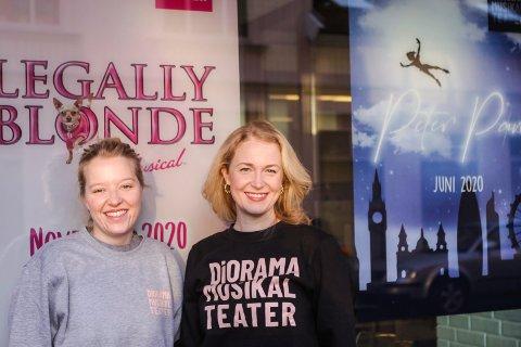 Får storbesøk: Ronja Kløver (til venstre) og Anne Mari Elvestad og resten av Diorama musikalteater får besøk av den anerkjente engelske sanglæreren Steven Luke Walker.