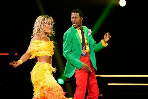 Semifinale: Lørdag er det semifinale i «Skal vi danse» Nate Kahungu og Helene Spilling fortsetter å imponere i TV 2s populære danseprogram. Her gjør de samba i et tidligere program.