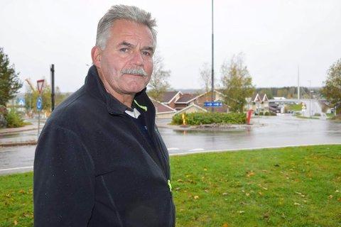 Rådmannen i Marker Kjell Jogerud beklager etter at han dro på jobb mandag etter å ha vært i Sverige i helgen.