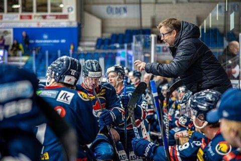 Tar tid: Spartas hovedtrener Sjur Robert Nilsen må fortsatt vente en stund til før det blir kamp om hockeypoengene igjen.