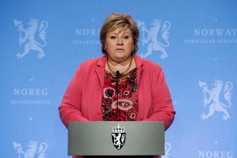 Statsminister Erna Solberg under en pressekonferanse om koronasituasjonen.