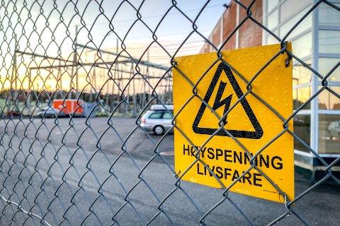 Ble du rammet av det store strømbruddet? Mye gikk galt ved transformatorstasjonen i Vestby, som slo ut strømmen i store deler av Follo og Østfold.