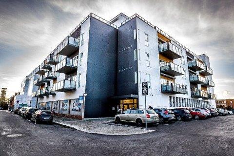 Borettslaget St. Marie Plass har gått rettens vei for å få kastet ut Sports Club Sarpsborg.