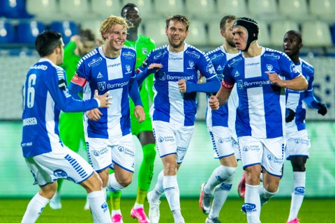 Venter: Sarpsborg 08 med Sebastian Jarl, Joachim Thomassen, Ole Jørgen Halvorsen og  Bjørn Inge Utvik må vente en ekstra uke før det er er klart for årets første treningskamp.