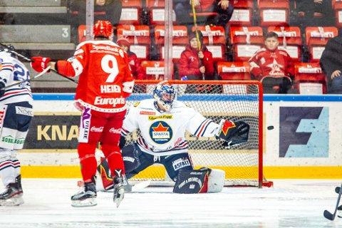 COMEBACK: Jens Kristian Lillegrend sto en god kamp i mål for Sparta da han gjorde comeback i bortekampen mot Stjernen.