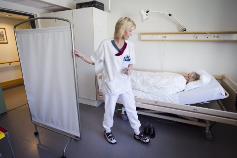 – Nå er det faktisk dere helsearbeidere som er av de viktigste menneskene vi trenger, skriver Ragnhild Kamperhaug Greaker. Hun ber lederne til helsemedarbeidere være rause med oppmuntrende ord og handlinger. (Illustrasjonsfoto: Heiko Junge, NTB Scanpix)