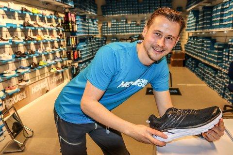 ÅPNER NY BUTIKK: Sondre Olstads skoeventyr fortsetter. Torsdag åpner han butikk i Iseveien senter.