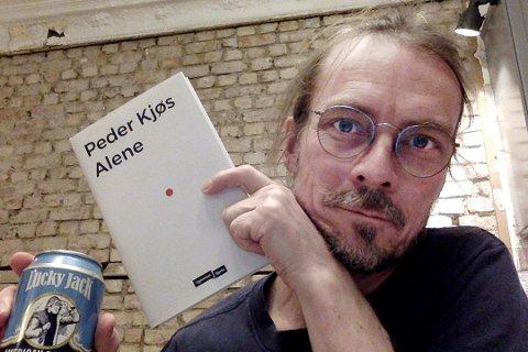 I mars slapp Peder Kjøs sin nyeste bok, som handler om å være alene. Den har en viss relevans til korona-pandemien.