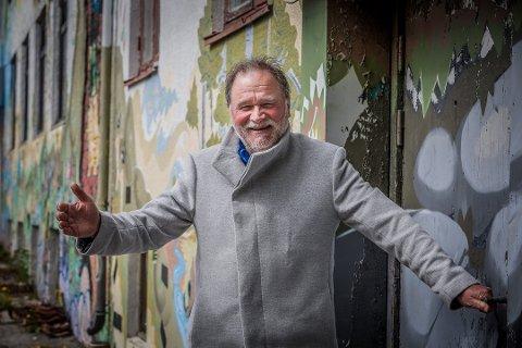 Snakker ut: Musiker, entertainer og pedagog Kai Robert Johansen markerer 50 år som artist i år, og går i dybden om både gleder og sorger. Det hele startet 1. mai 1970 på Grandkjelleren.