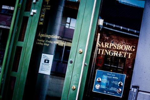En 59 år gammel mann fra Sarpsborg er dømt til fengsel i ett år og seks måneder for å ha lastet ned over 77.000 overgrepsbilder av barn.