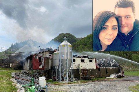 FJØSEN BRANN NED: Line Alexandra Johannessen Langeland og Håkon Langeland sin fjøs i Guddal brann ned onsdag kveld førre veke.