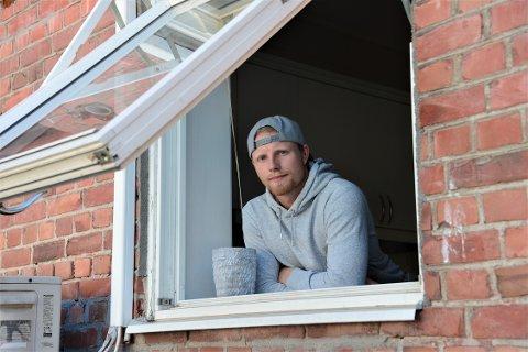 Bare venter: Kristian Jacobsson er i karantene etter at han kom tilbake fra Sverige. Nå venter han på å komme i gang med treningene igjen.