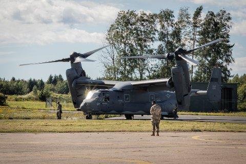 Bell Boeing V-22 Osprey er et mektig skue. (bla for flere bilder)