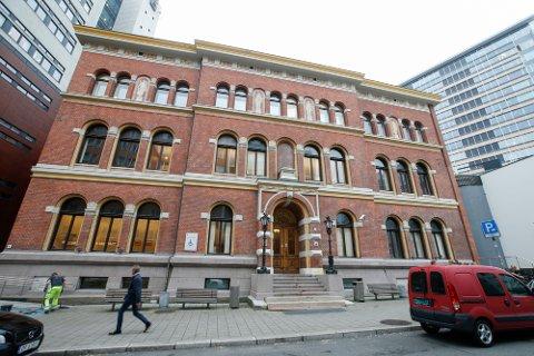 Borgarting lagmannsrett skjerpet straffen en mann ble idømt i Fredrikstad tingrett for voldtekt, vold og narkotikaoppbevaring.