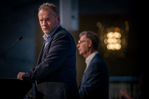 Byrådsleder Raymond Johansen (t.v.) og helsebyråd Robert Steen er klare på at det vil bli innstramminger i Oslo igjen neste uke.