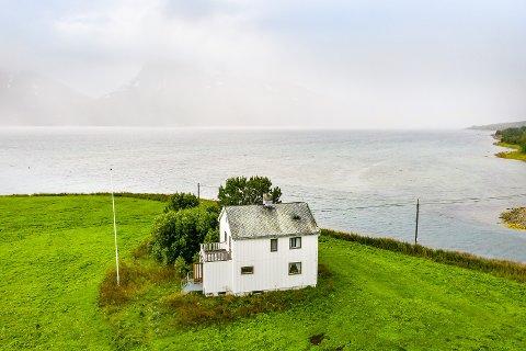 POPULÆR: Boligen, med et synlig hull i taket, ble svært populær da den ble lagt ut på Finn i høst.