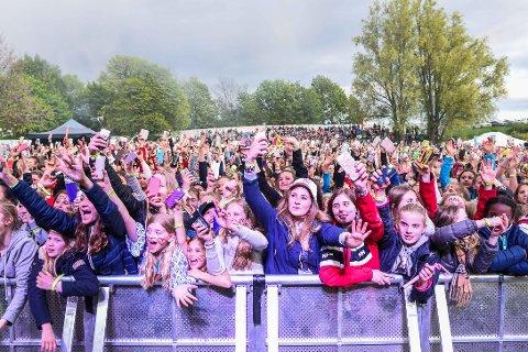 Konsertene på Fredrikstad Cup er et høydepunkt med store artistnavn og mange tusen tilskuere.