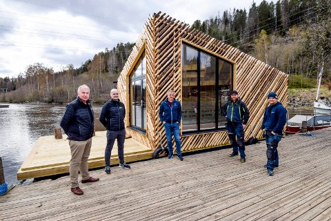 Lokale krefter får det nyskapende prosjektet til å flyte; f.v. Øivind Grefslie, Daniel Iversen, Vidar Østenby, Jens Frøne og Morten Lippestad.