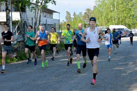 FULL GANG: Torsdagsløpet er i full gang med sesongen. SIst uke var det 24 som deltok.