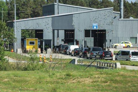 Fra fredag 11. juni kan fullvaksinerte med norsk koronasertifikat passere grensen uten å måtte i karantene.
