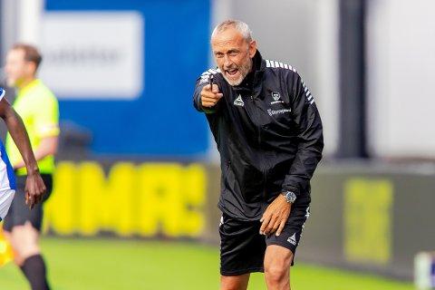 Sarpsborg 08s trener Lars Bohinen i kampen mellom Sarpsborg 08 og Brann.