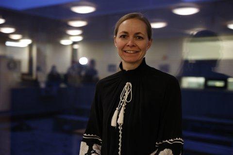 Overlege Sara Watle i FHI jobber med på kartlegge hvem som er aktuell for en tredje vaksinedose, en såkalt booster-vaksine.