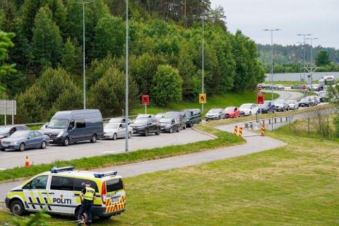 Man må regne med kø om man skal passere grensen ved Svinesund i helgen.