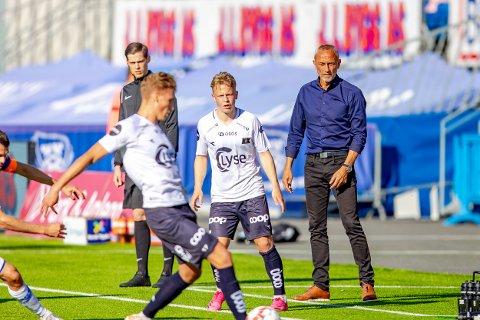 VARIABELT: Lars Bohinens mannskap leverte en god og en svak omgang i fredagens kamp mot Viking på Stadion.
