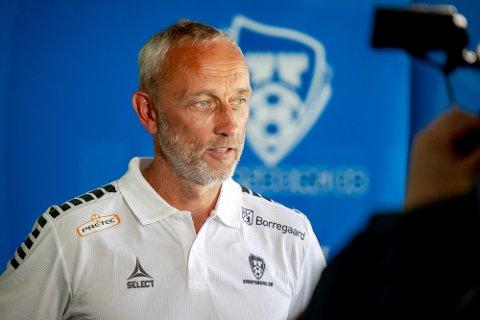 NY TRENER: Lars Bohinen ble presentert som Sarpsborg 08s nye hovedtrener på en pressekonferanse søndag.