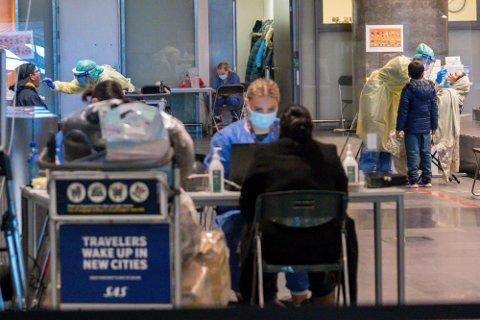 Helsemyndighetene i Ullensaker kommune har etablert et eget testsenter på Oslo lufthavn Gardermoen for passasjerer som ankommer Norge fra utlandet. Her testes reisende fra Dubai og Doha i januar.