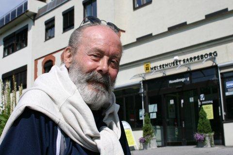 NÅ SMILER HAN TIL LIVET: Anders Marklund (74) har vært igjennom en tøff tid. Etter flere ukers behandling etter den tragiske brannen er han nå snart klar for å flytte inn i ny leilighet.
