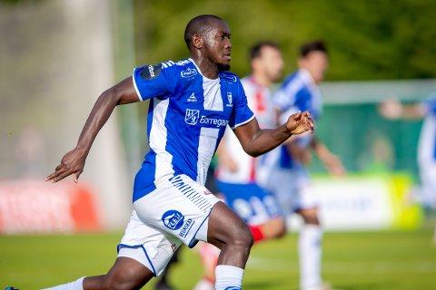 Sarpsborg 08s Ibrahima Koné i kampen mellom Kvikk Halden og Sarpsborg 08.