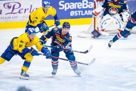 FORNØYD: Niklas Roest spilte sin første hockeykamp på 229 dager da Sparta utklasset Storhamar torsdag kveld.