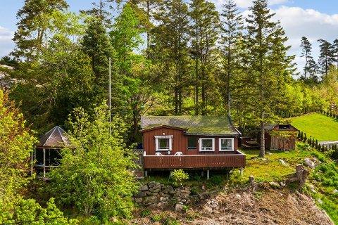 RIVNINGSKLAR: Hytta i Høysand har ligget ute i markedet siden slutten av mai.