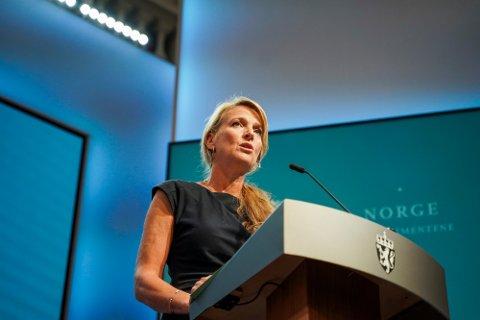 Avdelingsdirektør Line Vold i FHI under en pressekonferanse om koronasituasjonen.