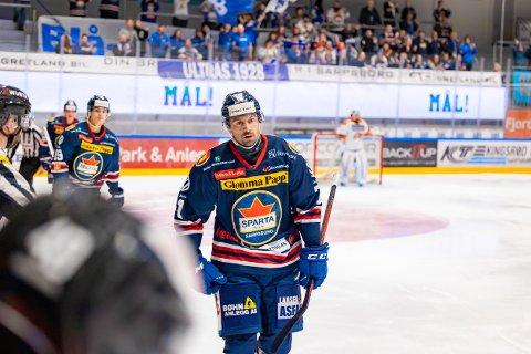 Spartas spiller Daniel Olsson Trkulja jubler for scoring i kampen mellom Sparta og Frisk Asker.