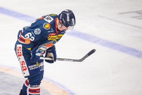 SKADET: Martin Grönberg pådro seg hjernerystelse i kampen mot Frisk Asker etter å ha fått en takling mot hodet.