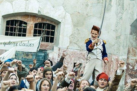 Bulle, ved skuespiller Eilif Hellum Noraker, gjør flere tidsreiser i den nye Proktor-filmen. Foto: Adrienn Szabo / Handout / NTB scanpix