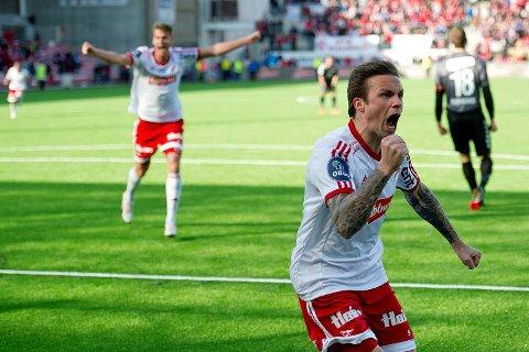 FFK hadde ikke mye å glede seg over i vår, men Steffen Nystrøm kunne juble for å ha stjålet ett poeng fra Brann i serieåpningen. Resten av våren ble trist, men de har vært bedre i høst, og har nå to på rad. Vi satser på at det blir tre!