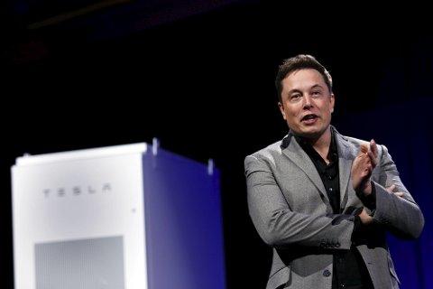 Tesla-sjefen Elon Musk vil begrense bruken av gratis superladestasjoner.