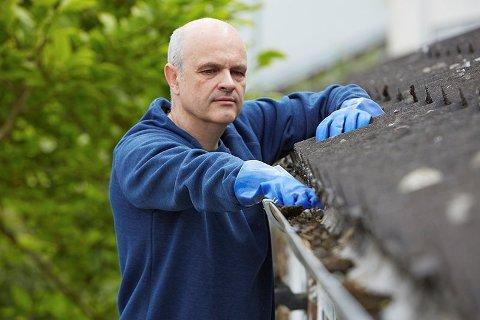 Tette avløp og utette tak blir fort en svært kostbar erfaring for deg som eier hus.