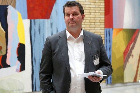 LOs nestleder Hans Christian Gabrielsen kritiserer regjeringen for manglende jobbskaping.