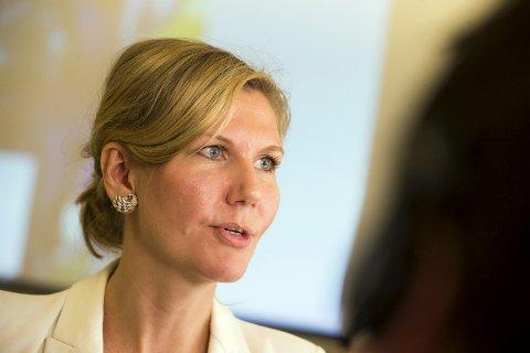Finanspolitisk talsperson i Arbeiderpartiet, Marianne Marthinsen, vil kutte konsulentbruken i staten med 400 millioner kroner i 2017. Venstre og Senterpartiet overbyr Ap, og vil kutte konsulentbruken i langt større grad.