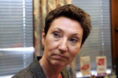 RIKTIG: Peggy Hessen Følsvik i LO mener regjeringen gjør klokt i å legge ideen om søndagsåpne i skuffen. Foto: NTB SCANPIX/ANB.