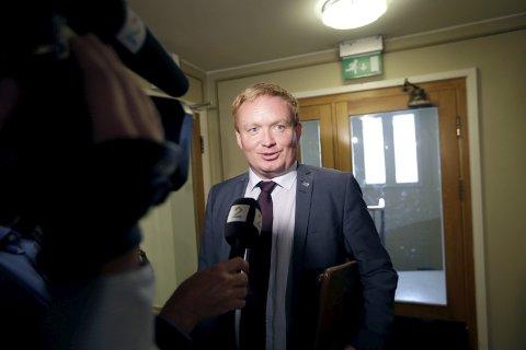 Regjeringen gjør en bedre enn jobb enn før, konkluderer Arve Kambe i Høyre.