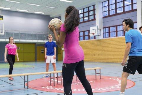 Sp vil ha en ordning som sikrer elever på 1.-10. trinn minst én time fysisk aktivitet hver dag innenfor dagens timetall.
