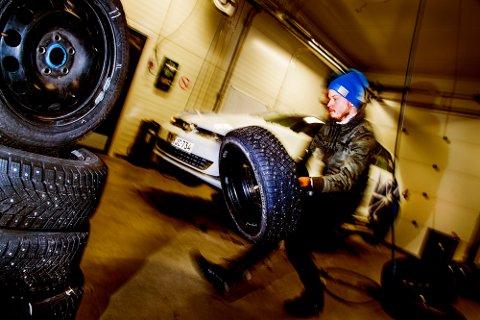 Testene i Motors store vinterdekktest er gjennomført av profesjonelle dekktestere hos Test World i Ivalo, Finland.
